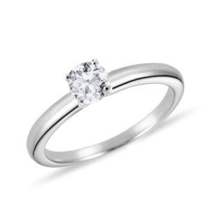 Klasický zásnubní prsten z bílého zlata s diamantem KLENOTA