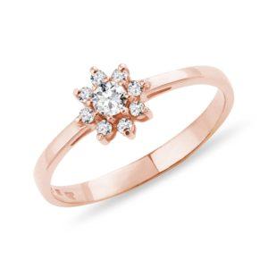 Diamantový prsten z růžového zlata ve tvaru kytičky KLENOTA
