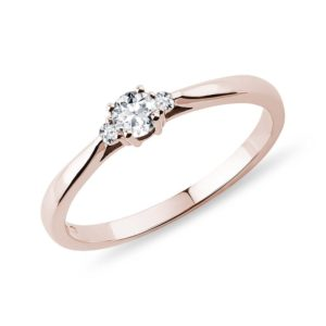 Diamantový zásnubní prstýnek z růžového 14k zlata KLENOTA