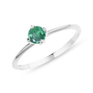 Prsten se smaragdem v bílém zlatě KLENOTA