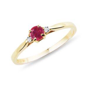 Zlatý prsten s rubínem a diamanty KLENOTA